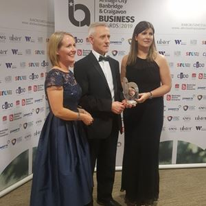Gill Johnston presents Best Family Business Award.JPG